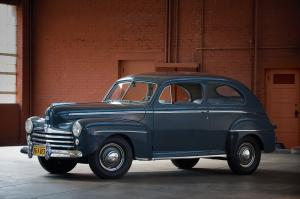 Ford Super DeLuxe Tudor Sedan 1947 года