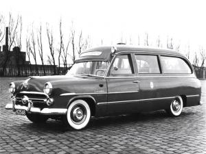 1952 Ford Customline Ambulance by Visser