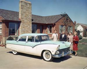 1955 Ford Fairlane 4-Door Town Sedan