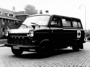 Ford Transit Ambulance 1965 года