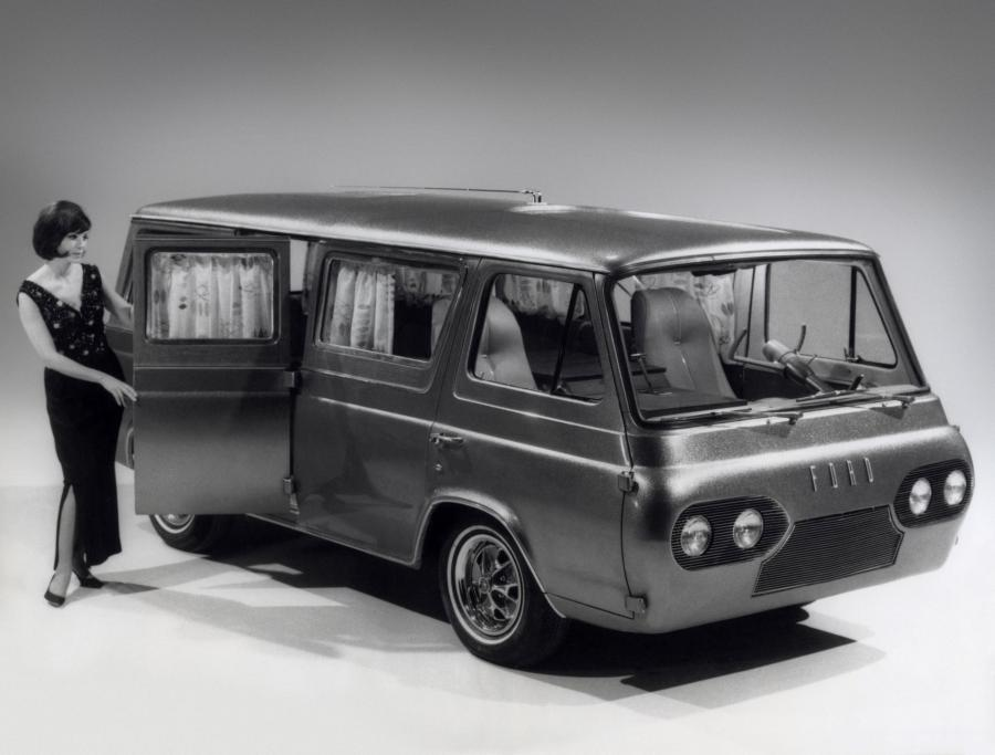 Ford Econoline Apartment Show Car