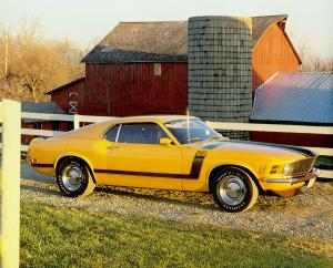 Ford Mustang Boss 302 with Shaker Hood Scoop Option 1970 года