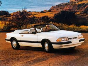 Ford Mustang Convertible 1986 года