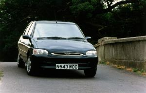 1995 Ford Escort Ghia Saloon