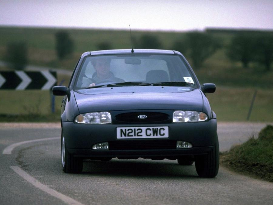 Ford Fiesta 5-Door (UK) '1995