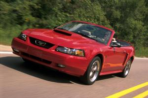 Ford Mustang GT Convertible 1999 года