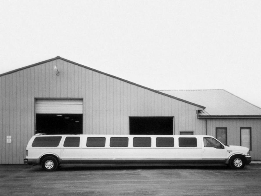 2000 Ford Excursion Limousine by Three-D Custom Coachworks