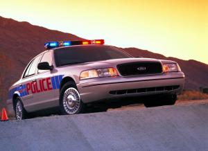 Ford Crown Victoria P71 Police Interceptor 2001 года