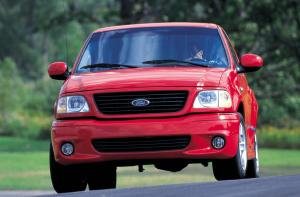 Ford F-150 SVT Lightning 2001 года