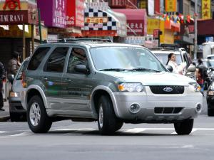 Ford Escape Hybrid 2004 года