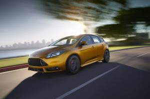 2010 Ford Focus by FSWerks