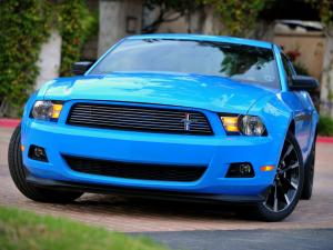 Ford Mustang V6 2011 года