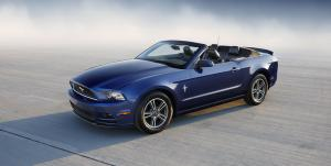 Ford Mustang Convertible 2013 года