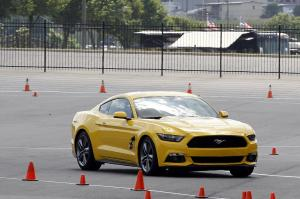 Ford Mustang EcoBoost 2015 года
