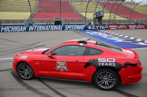 Ford Mustang GT Pace Car NASCAR Sprint Cup 2015 года
