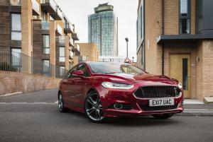 2016 Ford Mondeo Hatchback ST-Line (UK)