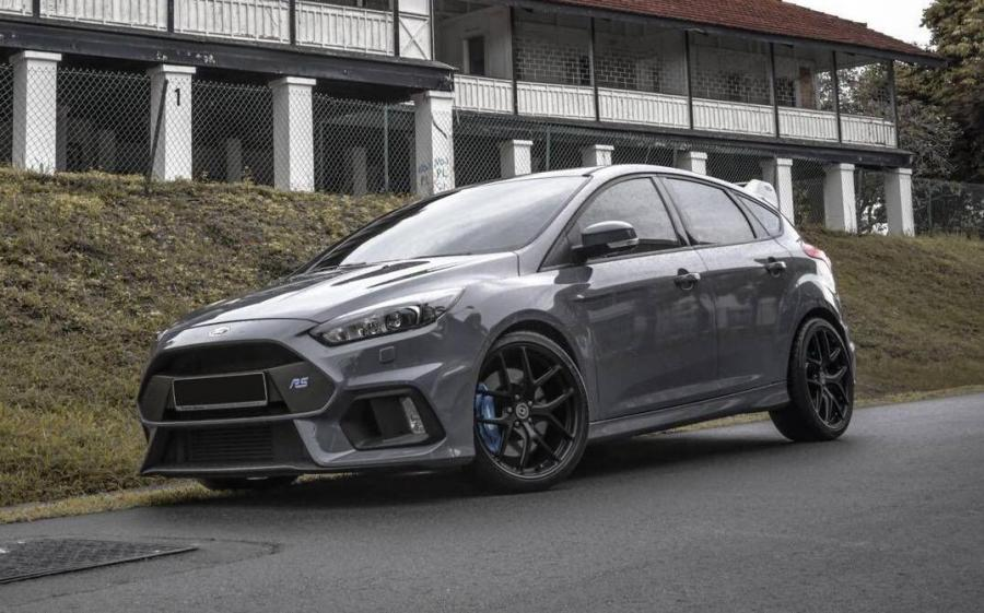 Ford Focus RS by MB Motors on HRE Wheels (P101)