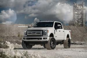 2018 Ford F-250 Super Duty XLT FX4 Crew Cab on HRE Wheels (HD188)