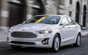 Ford Fusion Energi 2018 года