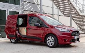 Ford Transit Connect 2018 года (WW)