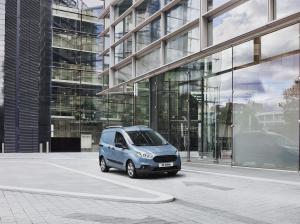 Ford Transit Courier 2018 года