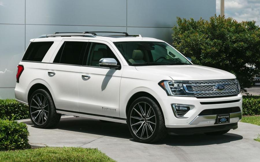 2019 Ford Expedition Platinum on Vossen Wheels (HF6-1)