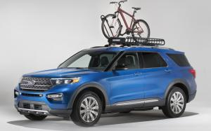 Ford Explorer Limited with Yakima Accessories