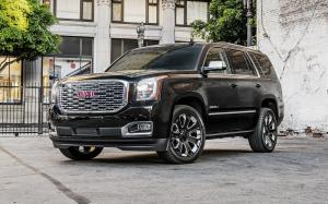 GMC Yukon Denali Ultimate Black 2017 года