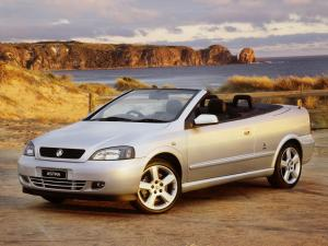 Holden Astra Convertible 2001 года