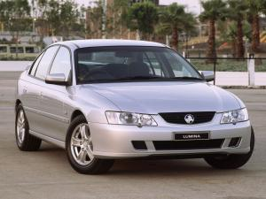 Holden Commodore Lumina 2002 года