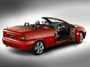 Holden Astra Convertible Linea Rossa 2004 года