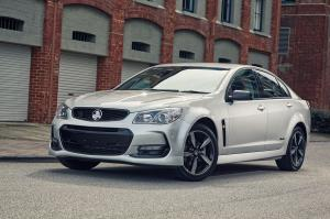 Holden Commodore Black 2016 года