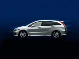 2006 Honda Stream by Modulo