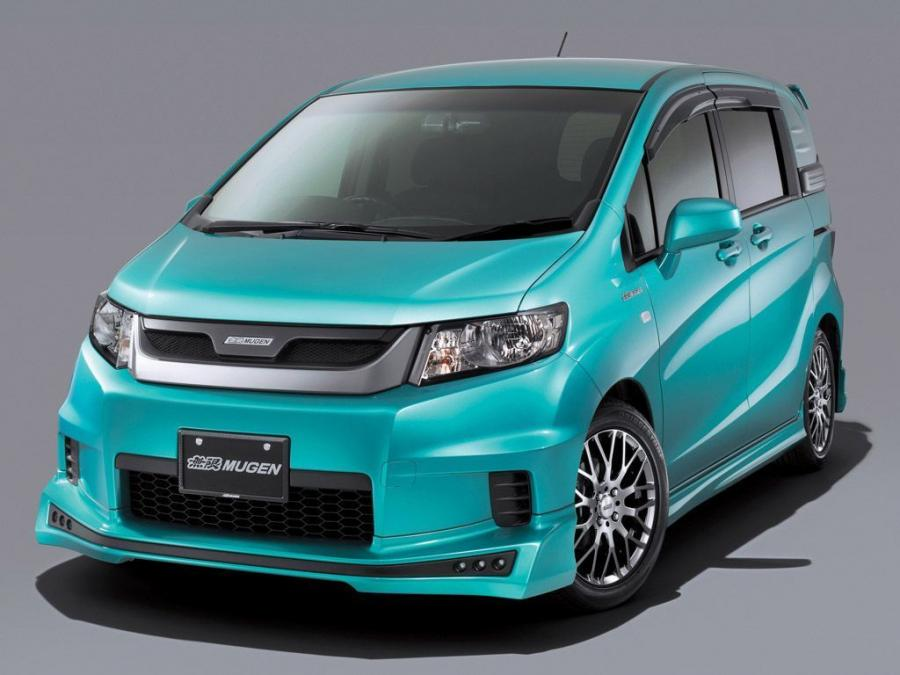 Honda Freed Spike by Mugen