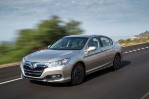 Honda Accord Plug-In Hybrid 2014 года
