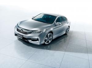 Honda Accord Hybrid by Modulo 2016 года (JP)