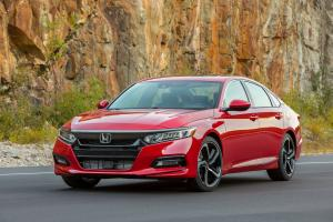 Honda Accord Sport 2.0T 2017 года