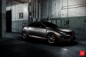 2017 Honda Civic Type R on Vossen Wheels (VFS10)