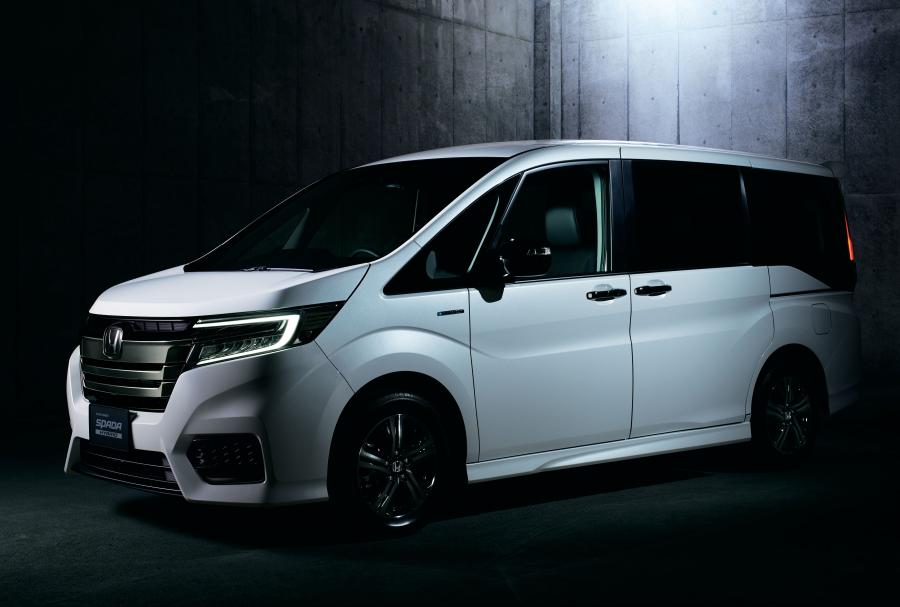 Honda StepWGN Spada Hybrid Black Label '2018