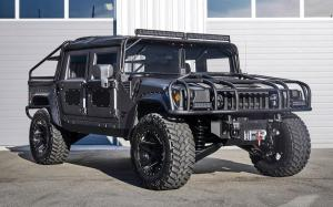 2018 Hummer H1 Launch Edition by Mil-Spec Automotive