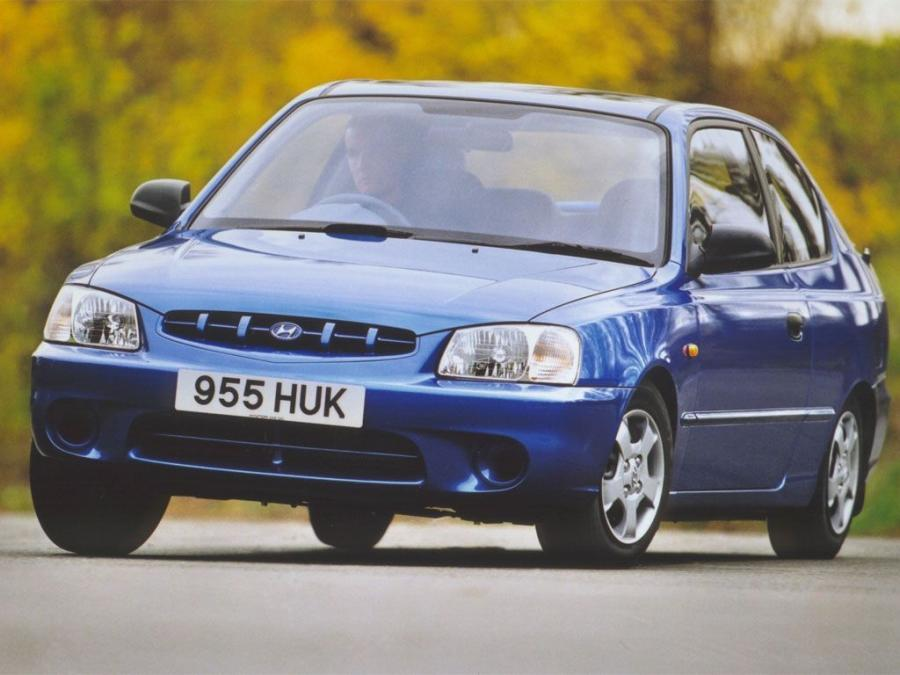 Hyundai Accent 3-Door (UK) '2000
