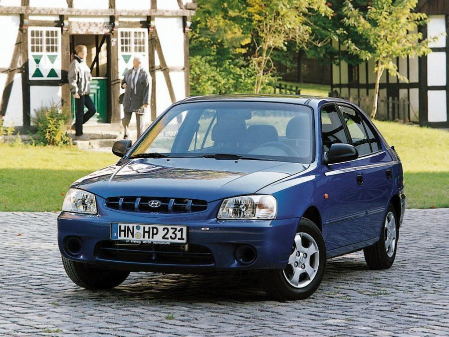Hyundai Accent 5-Door '2000