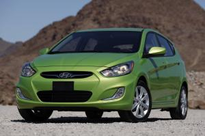 Hyundai Accent Green 2012 года