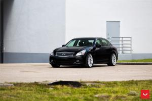 Infiniti G37 on Vossen Wheels (VFS10)