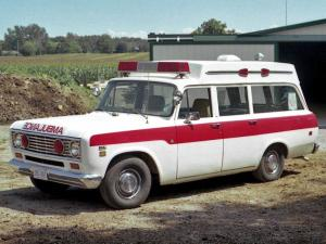 International Travelall Ambulance 1974 года