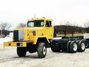 1995 International PayStar 5000 6x6 Chassis Cab