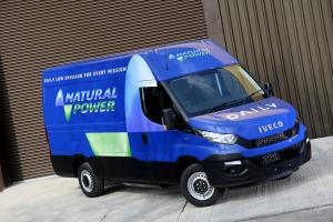 Iveco Daily Natural Power 2015 года (UK)