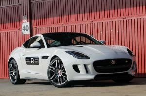 Jaguar F-Type R Coupe 2015 года
