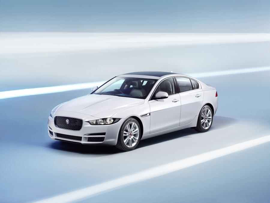 Jaguar XE Prestige (UK) '2015