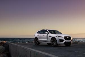 Jaguar F-Pace 25d AWD Chequered Flag 2020 года